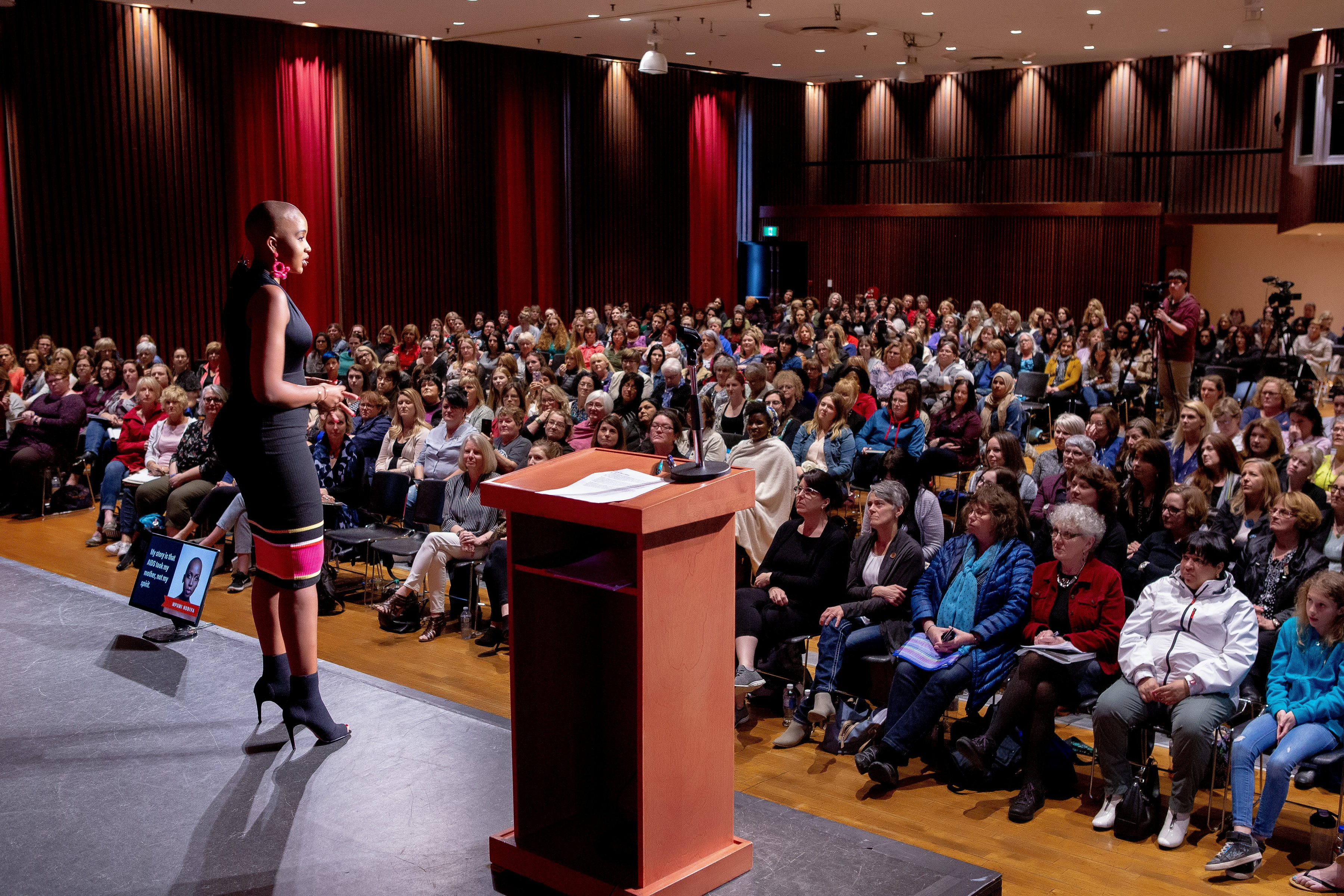 Become a Fearless Speaker - One Woman